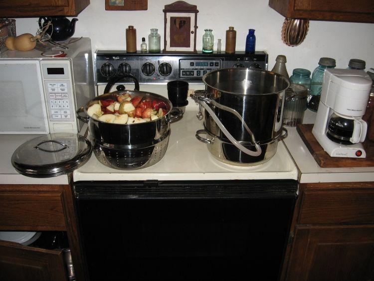 Steaming Apple juice 3