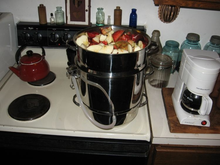 Steaming Apple juice 4
