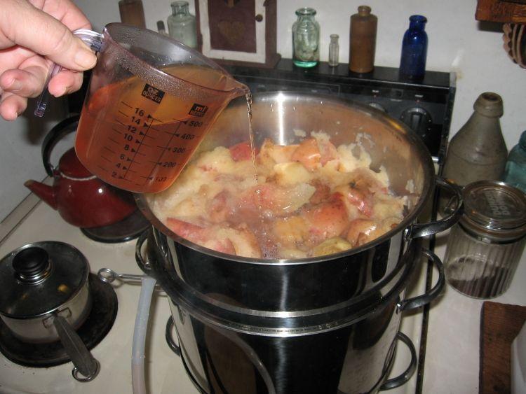 Steaming Apple juice 9