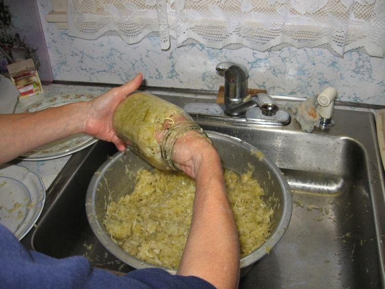 Sauerkraut Canning 3