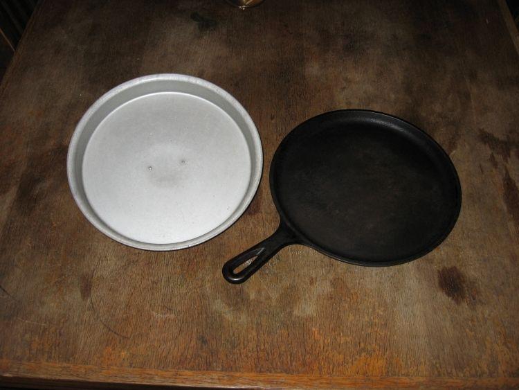 Deep lid, shallow griddle