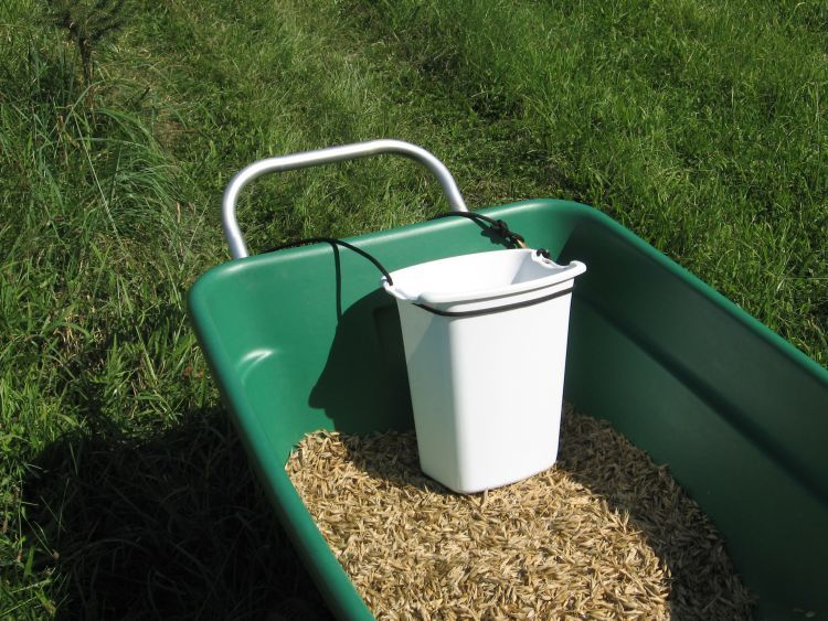 Harvest basket for small grains