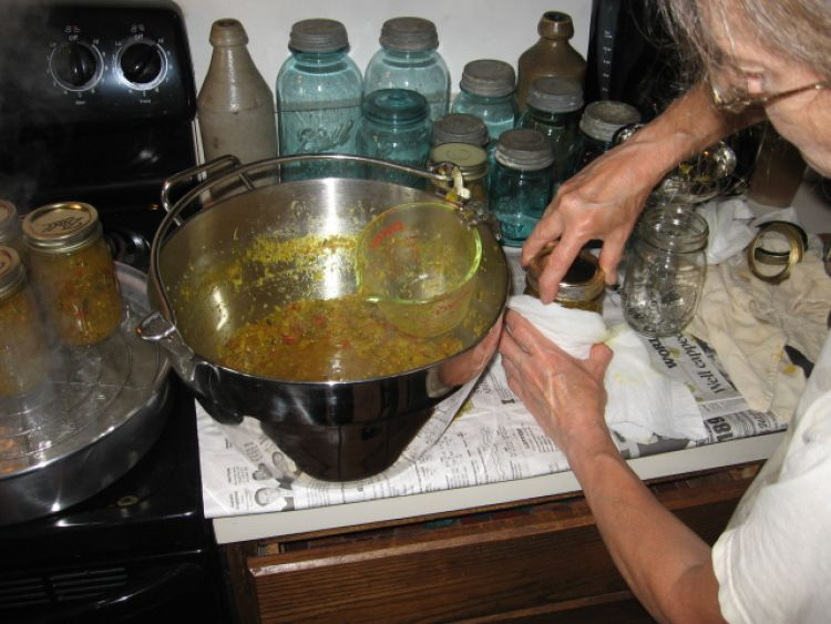 Filling jars with Relish