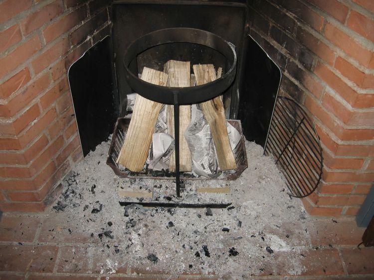 Open fire cooking inside